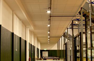 SOLAR V2 et METEOR : nouveaux luminaires highbay pour l'éclairage industriel et logistique